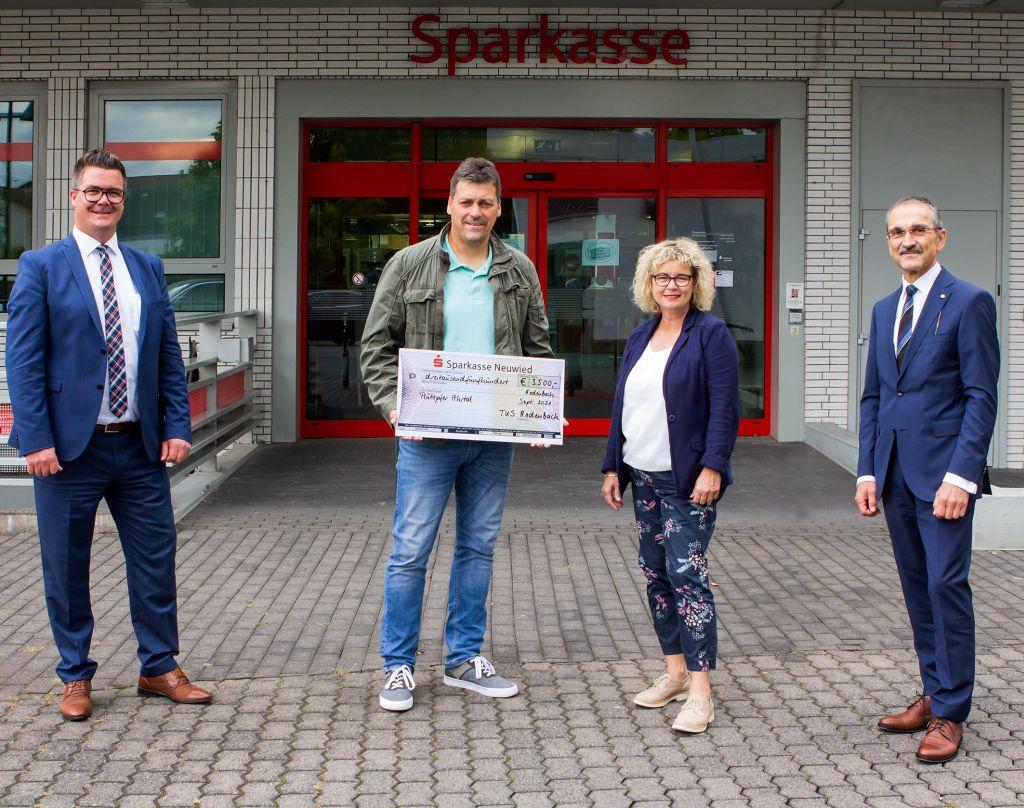 TuS Rodenbach und Rodenbacher Bevölkerung spenden für den Wiederaufbau der Dernauer KiTa